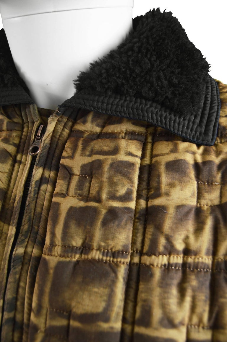 Gianni Versace Men's Quilted Puffer Coat with Shearling Collar, c. 1992 In Excellent Condition For Sale In Doncaster, South Yorkshire