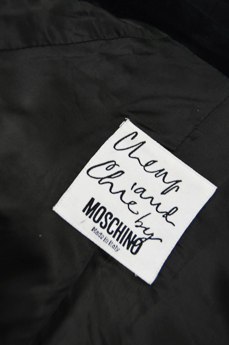 Moschino Vintage Black Wool Cashmere & Velvet Clip Buckle Detail Jacket, 1990s For Sale 3