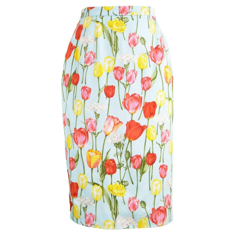 Guy Laroche Vintage Tulip Print Light Blue Cotton Pencil Skirt, 1990s