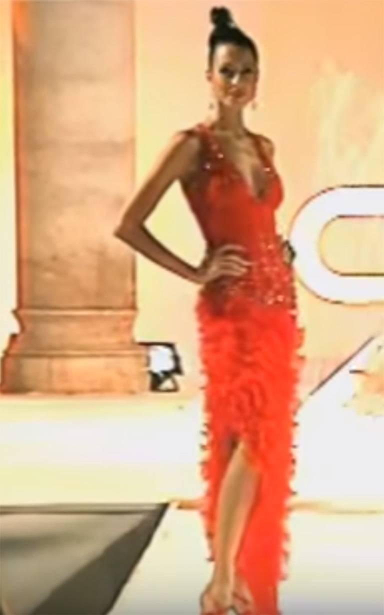 Renato Balestra Italian Haute Couture Beaded Red Silk Flamenco Gown, A / W 1997 For Sale 6
