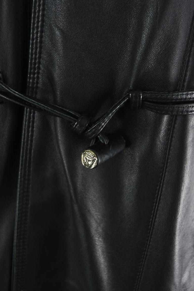 Gianni Versace Istante Men's Leather & Shearling Zeus Head Duffel Coat, 1990s For Sale 1