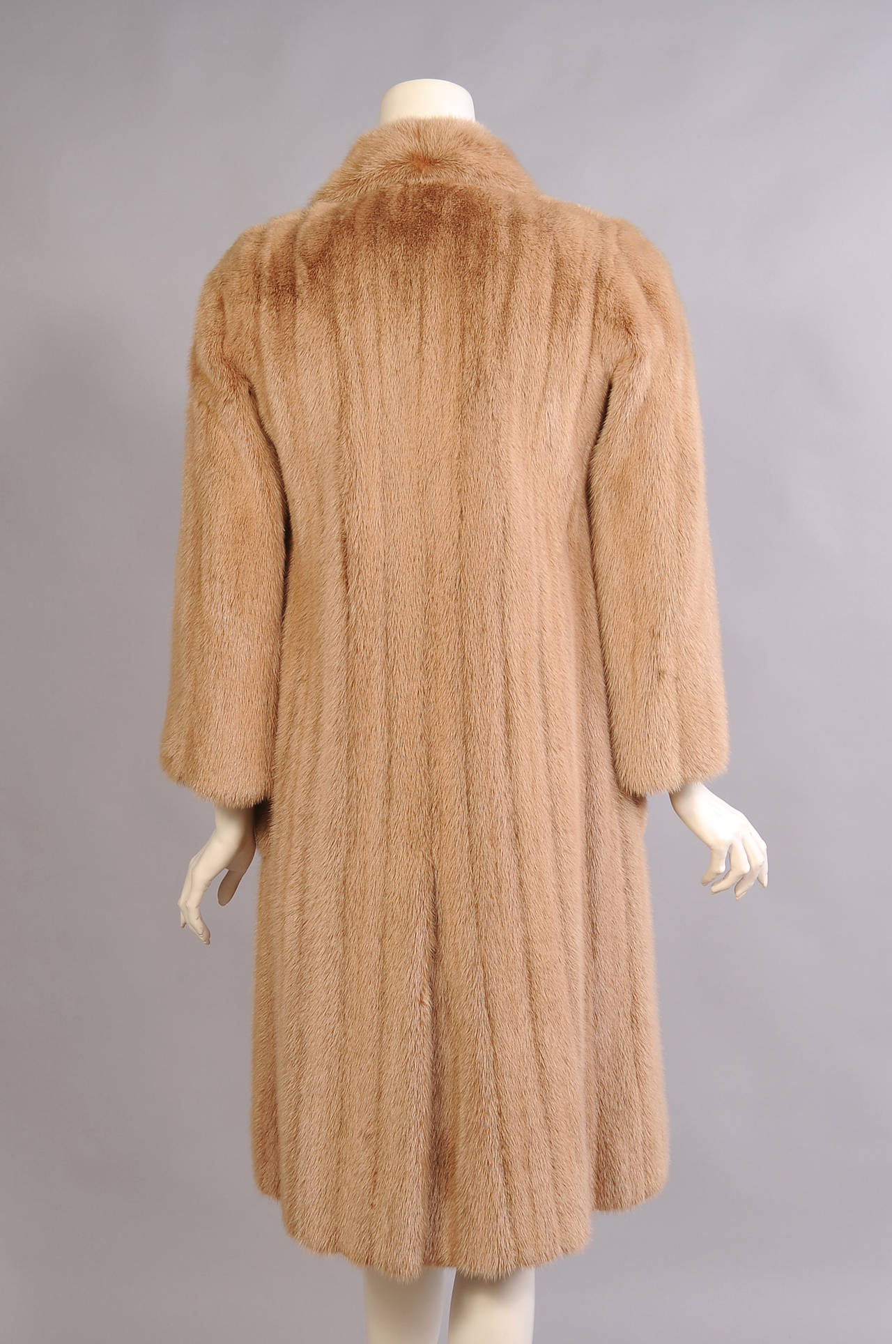 Alixandre Furs Honey Blond Mink Coat In Excellent Condition For Sale In New Hope, PA