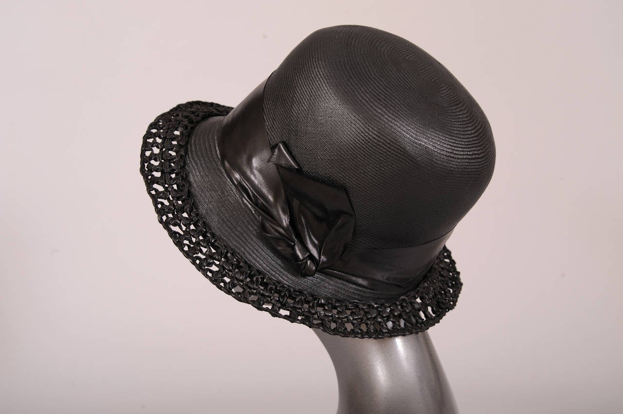 1920's Le Chapeau Chic, Bonwit Teller Black Straw Cloche In Excellent Condition For Sale In New Hope, PA