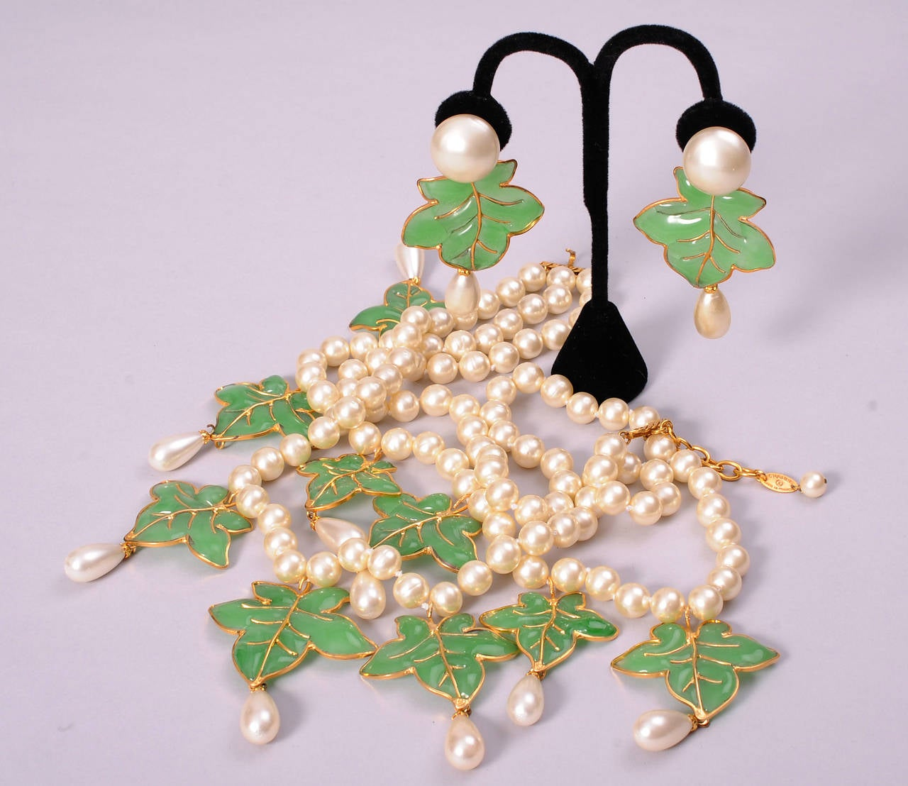 Chanel Signed Haute Couture Gripoix Leaves and Pearl Necklace & Earrings 2