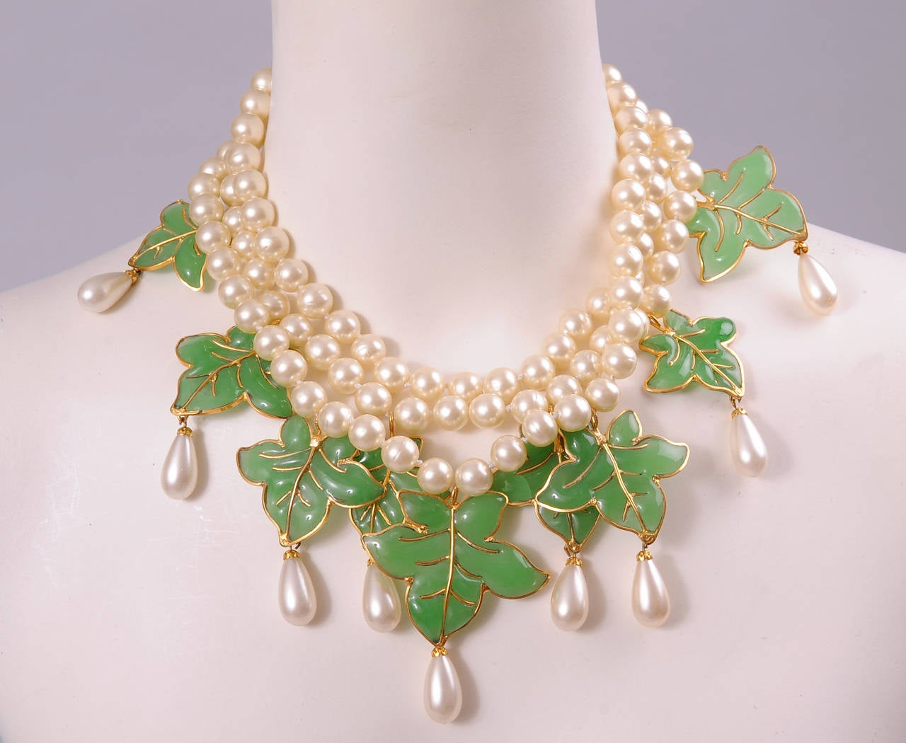 Chanel Signed Haute Couture Gripoix Leaves and Pearl Necklace & Earrings 3
