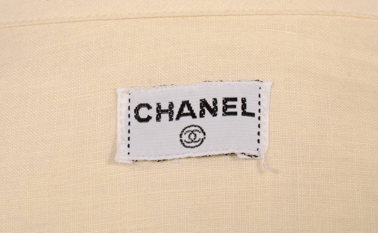 Chanel Cream Linen Blouse In New never worn Condition For Sale In New Hope, PA