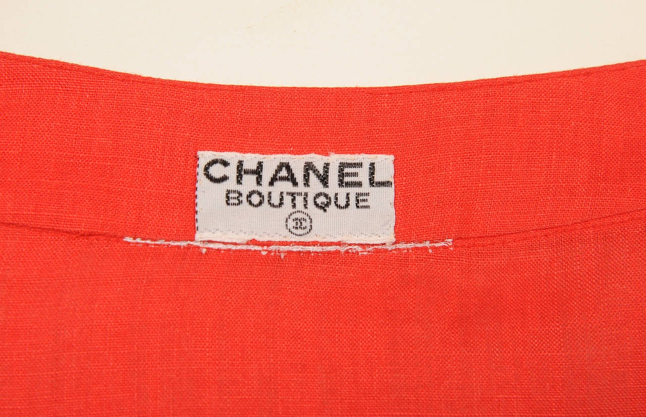Chanel Red Linen Blouse with Pin Tucks In Excellent Condition For Sale In New Hope, PA