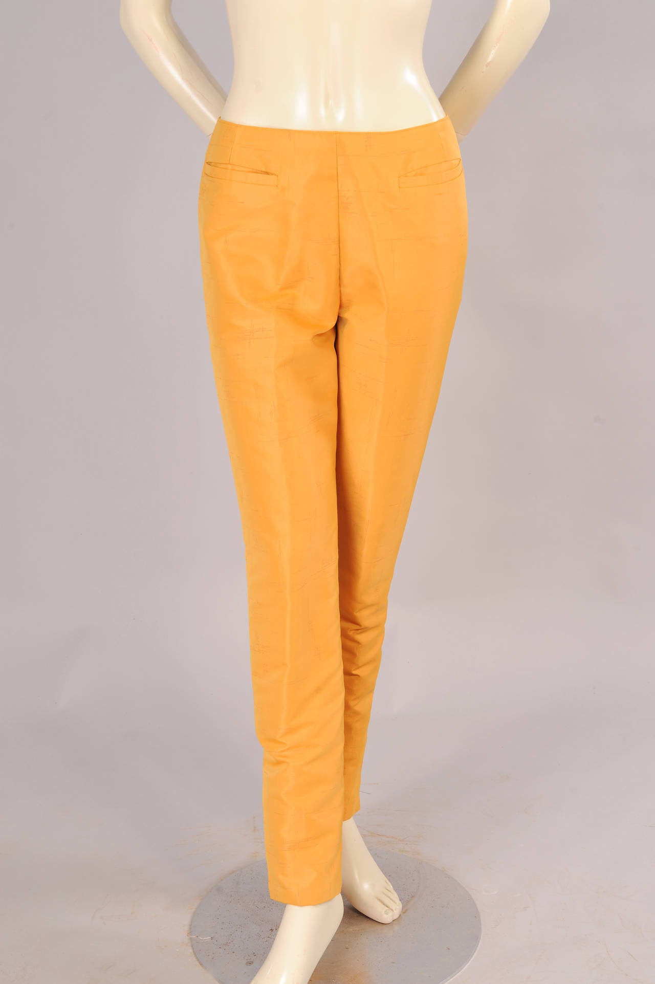 Women's Oscar de la Renta Slim Coat & Pants Ensemble in Tan and Saffron Silk For Sale