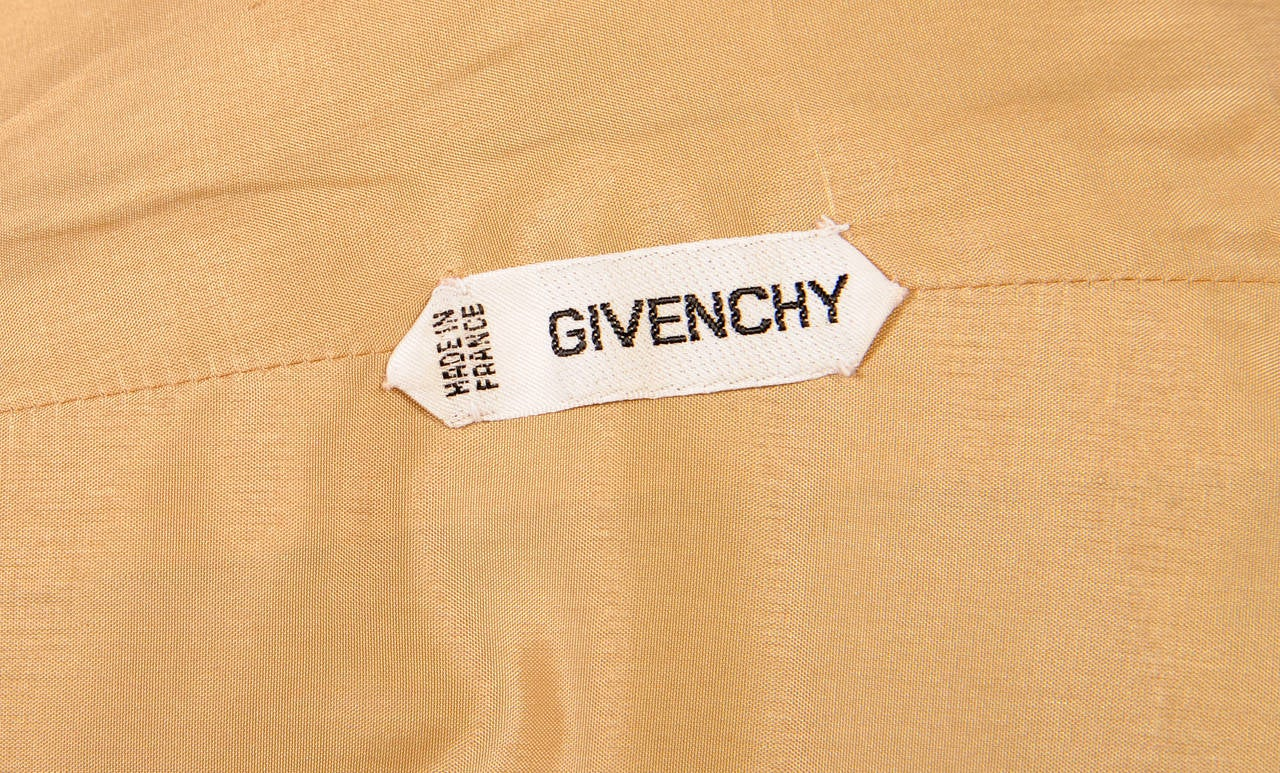 Givenchy Labelled Haute Couture Silk Faille Evening Cape In Excellent Condition For Sale In New Hope, PA