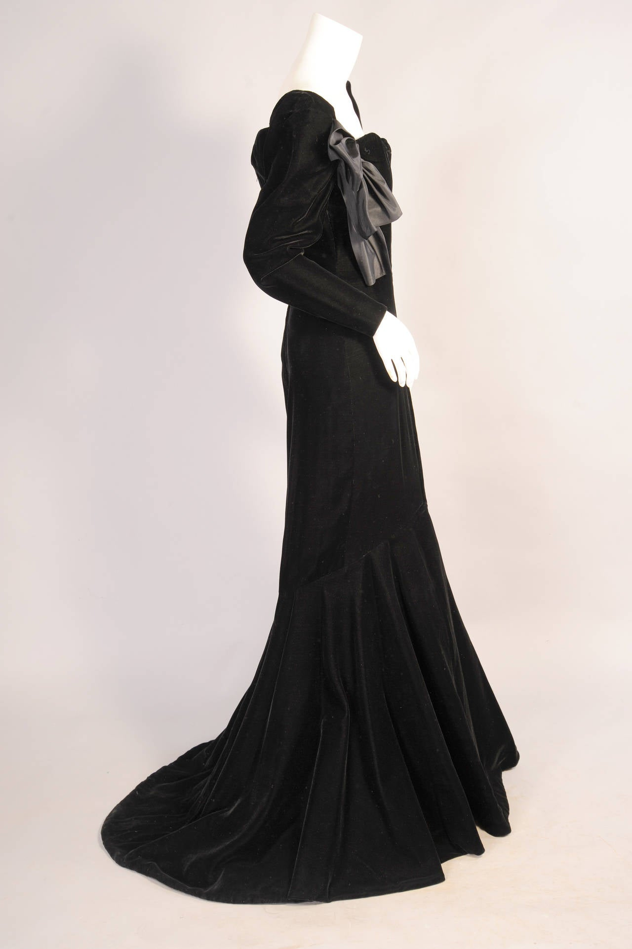 Yves Saint Laurent Haute Couture Black Silk Velvet Mermaid Gown 2