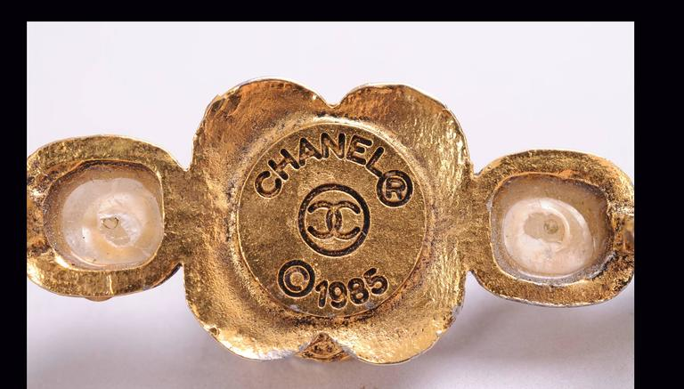 Contemporary Chanel Gripoix Bar Pin For Sale
