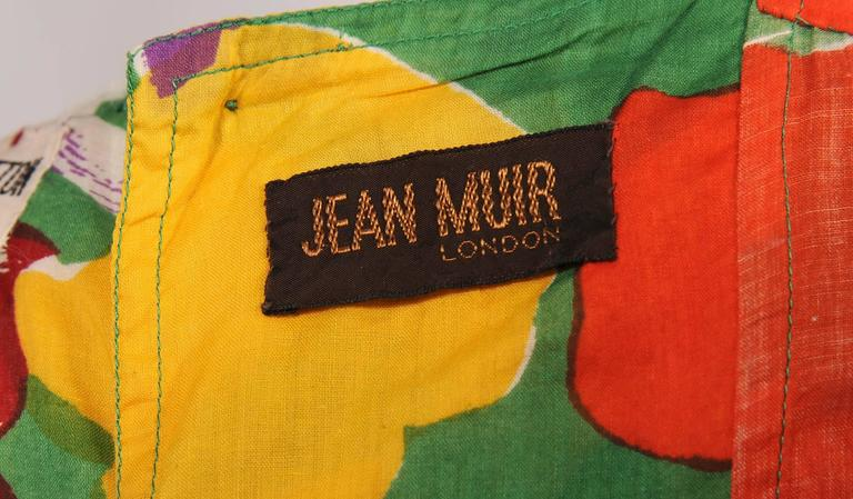 Jean Muir 1970's Colorful Tropical Print Dress In Excellent Condition For Sale In New Hope, PA