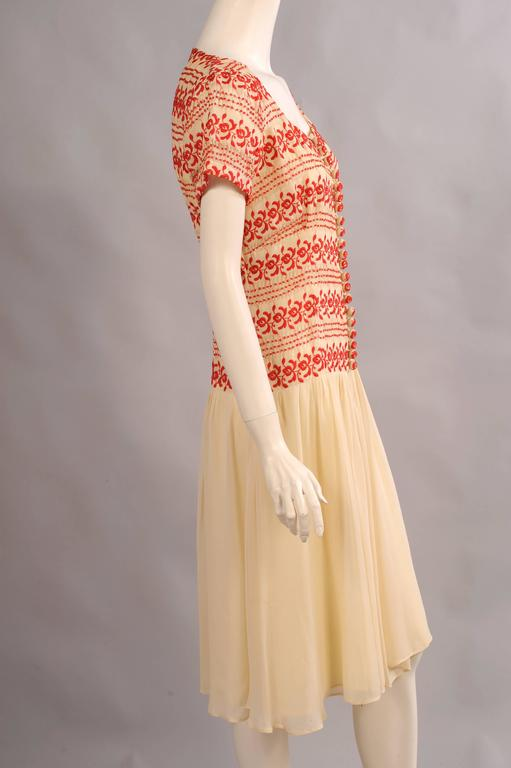 1930's Vintage Red and Cream Embroidered Dress 3