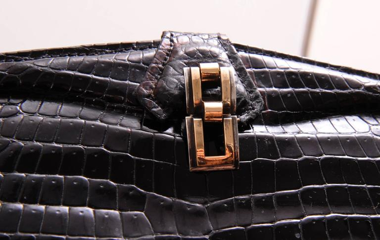 Chic Black Crocodile Evening Bag Hallmarked Sterling and Gold Clasp In Excellent Condition For Sale In New Hope, PA