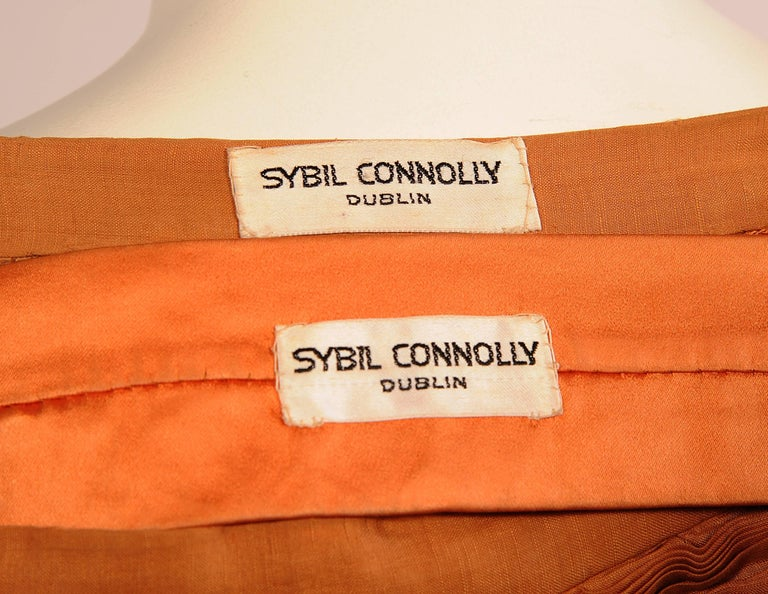 Sybil Connolly Irish Couturier Melon Colored Pleated Linen Evening Skirt In Excellent Condition For Sale In New Hope, PA