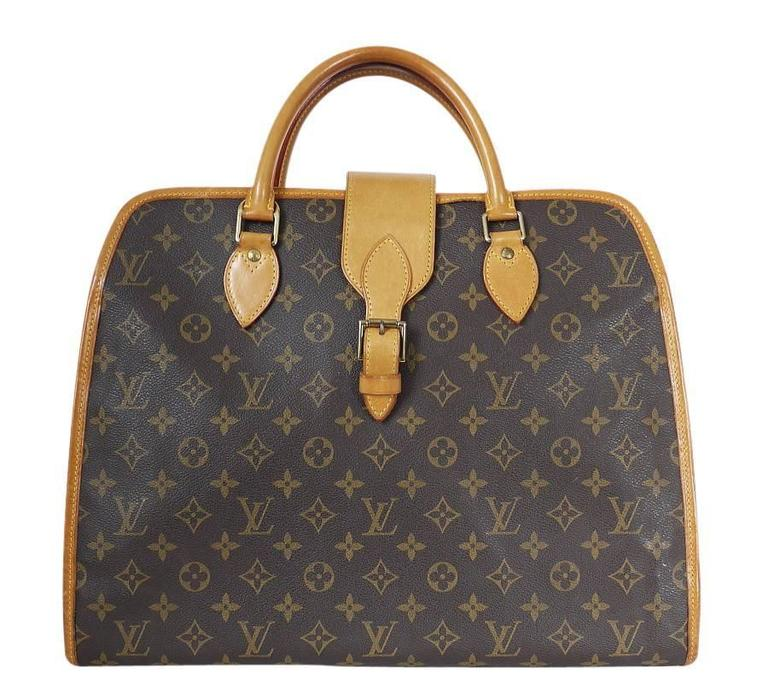 Louis Vuitton Rivoli Briefcase. This is no longer in production and very hard to find. This Rivoli briefcase is in amazing condition. This soft briefcase will hold your important documents, computers and business accessories in style. Feature :
