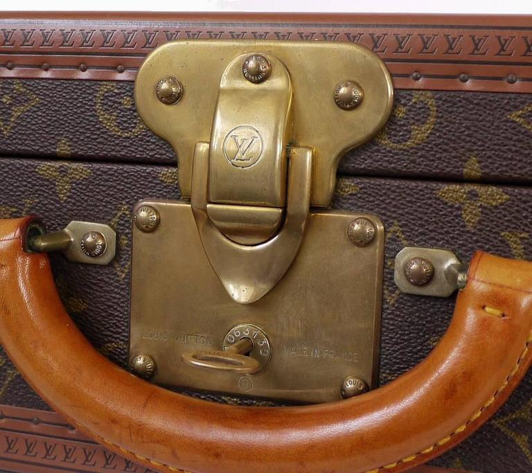 Vintage Louis Vuitton Monogram Cotteville 40 Hard Sided Suitcase  In Excellent Condition For Sale In Hiroshima City, JP