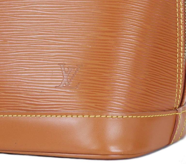 Women's Louis Vuitton Epi Alma Handbag, Tote Zipangu Gold For Sale