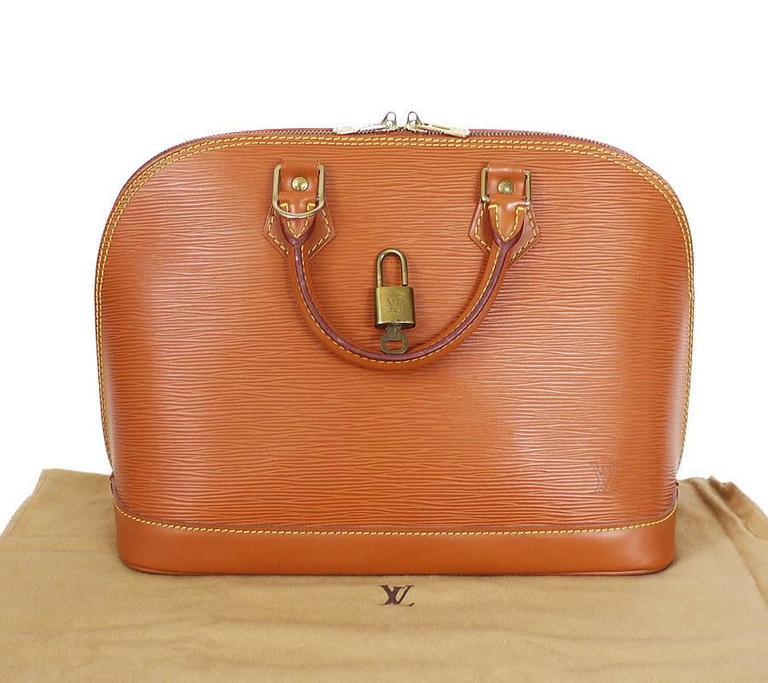 Louis Vuitton Epi Alma Handbag, Tote Zipangu Gold For Sale 6