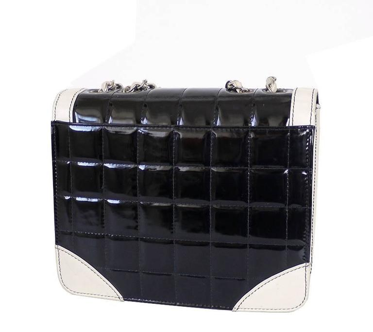 0795451ec8ea Black Vintage Chanel Bicolor Classic Flap Crossbody Shoulder Bag For Sale