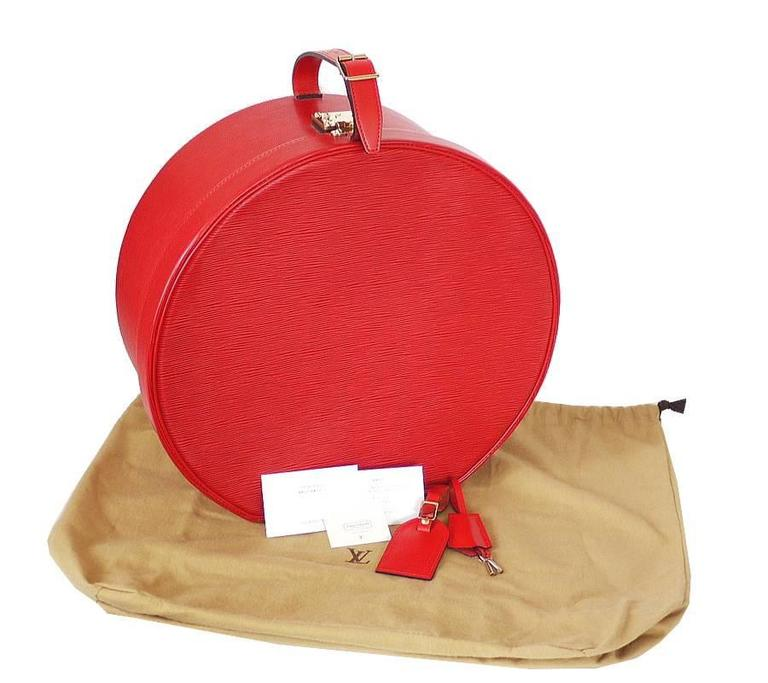 Louis Vuitton Red Epi Boite Chapeaux Hat Box 40 Rare 10