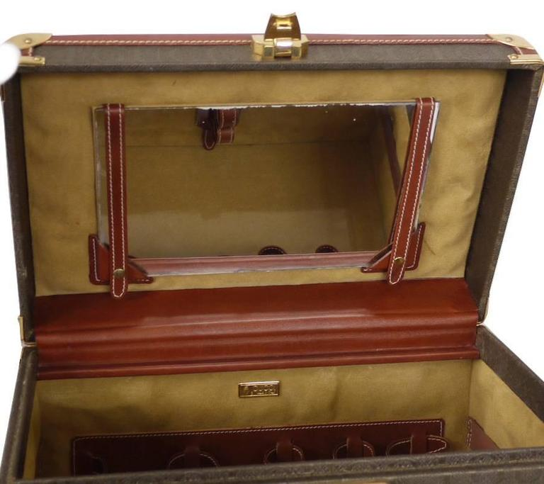 Vintage GUCCI Toiletry Case Travel Trunk Rare 8