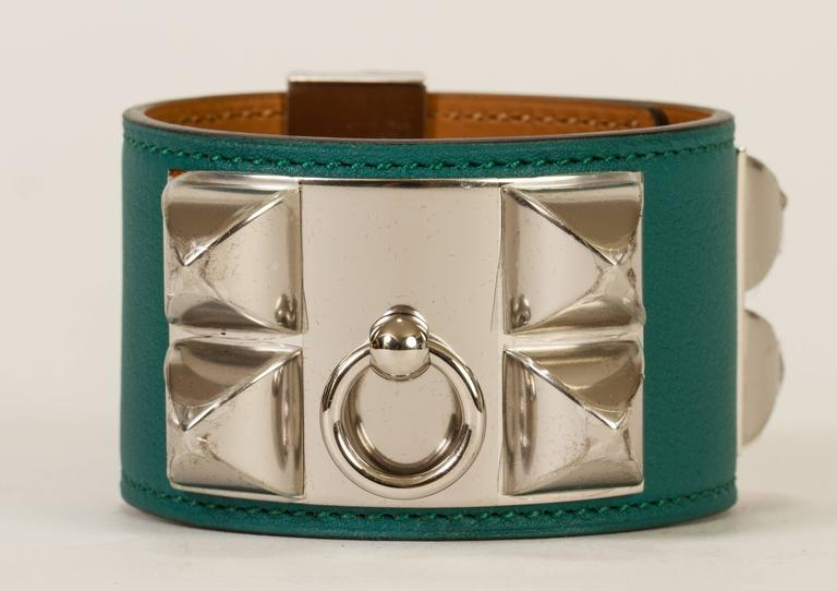 Hermès CDC Malachite Green Cuff Bracelet In Excellent Condition For Sale In Los Angeles, CA