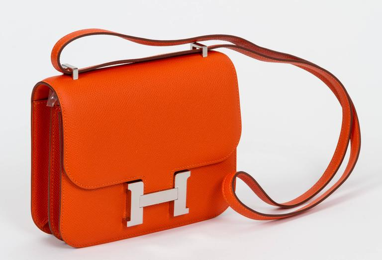 New in Box Hermès Feu Epsom Constance  In New Condition For Sale In Los Angeles, CA