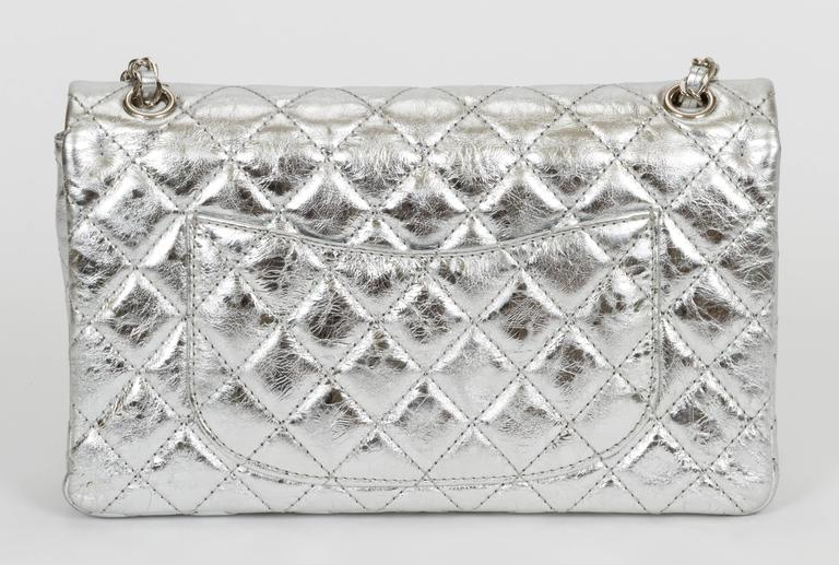Chanel Silver Metallic 2.55 Reissue Classic Bag In Excellent Condition For Sale In Los Angeles, CA