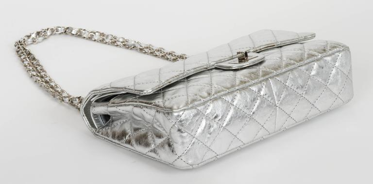 Women's Chanel Silver Metallic 2.55 Reissue Classic Bag For Sale