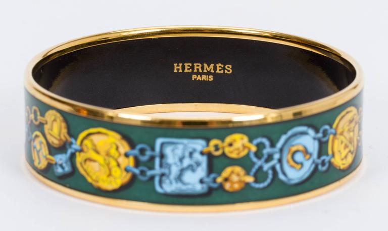 Hermès Green Coins Enamel Bracelet MM In Good Condition For Sale In Los Angeles, CA