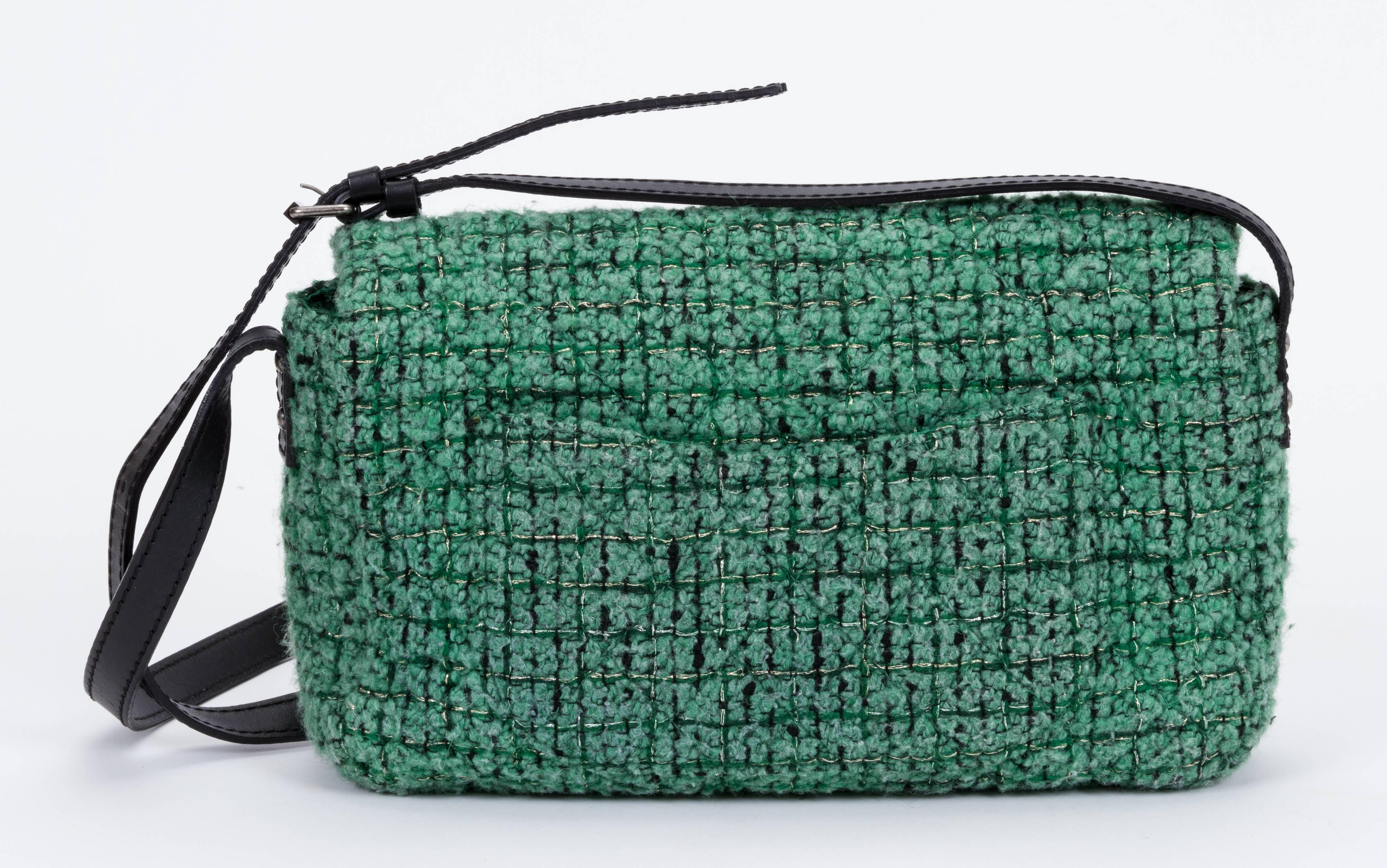 ef9a21640 Chanel Green Tweed Crossbody Flap Bag For Sale at 1stdibs