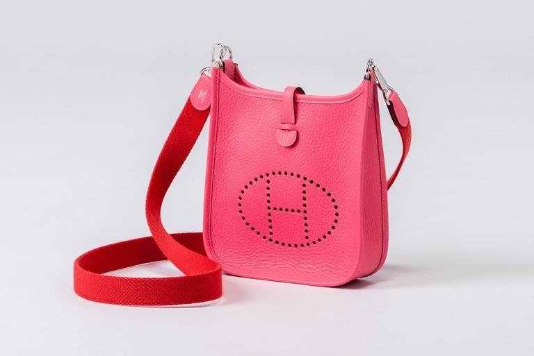New Hermes Rose Azalee Mini Evelyne Clemence Bag In New Condition For Sale In Los Angeles, CA