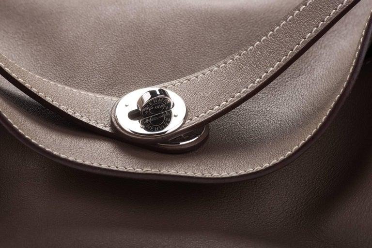 Women's Hermes Etoupe Swift Palladium Lindy Bag 34cm For Sale