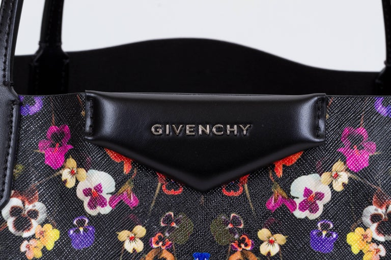 ef801acad9 New Givenchy Large Flower Antigona Shopper Tote Bag In New Condition For  Sale In West Hollywood