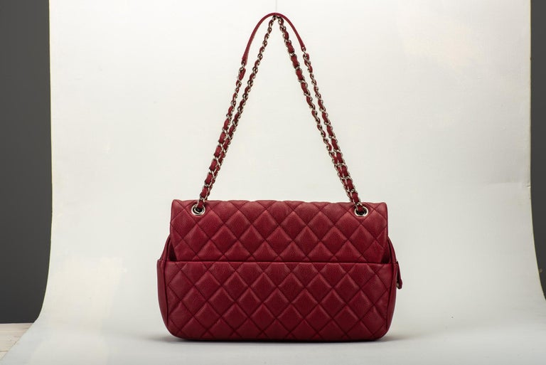 Chanel Cherry Red Jumbo Zipped Flap Bag In Excellent Condition For Sale In Los Angeles, CA