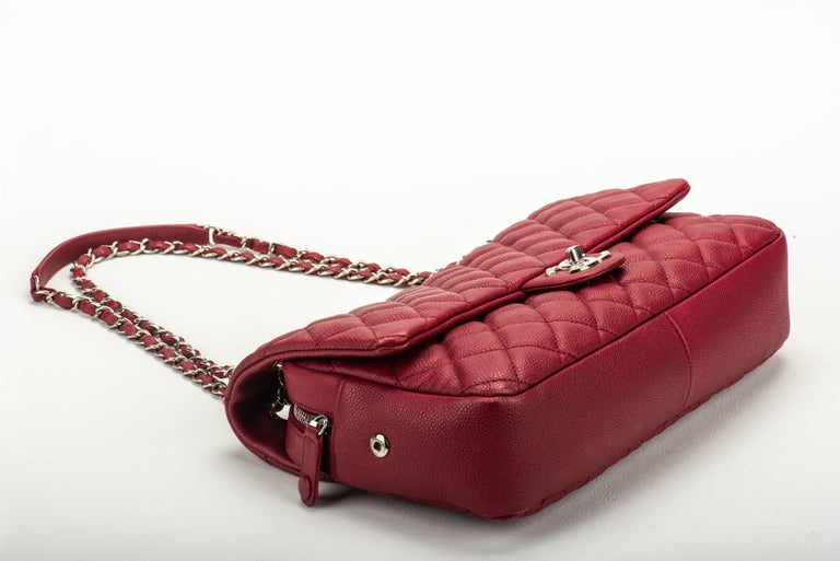 Women's Chanel Cherry Red Jumbo Zipped Flap Bag For Sale