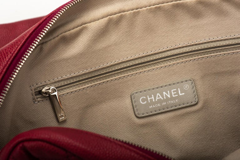 Chanel Cherry Red Jumbo Zipped Flap Bag For Sale 2