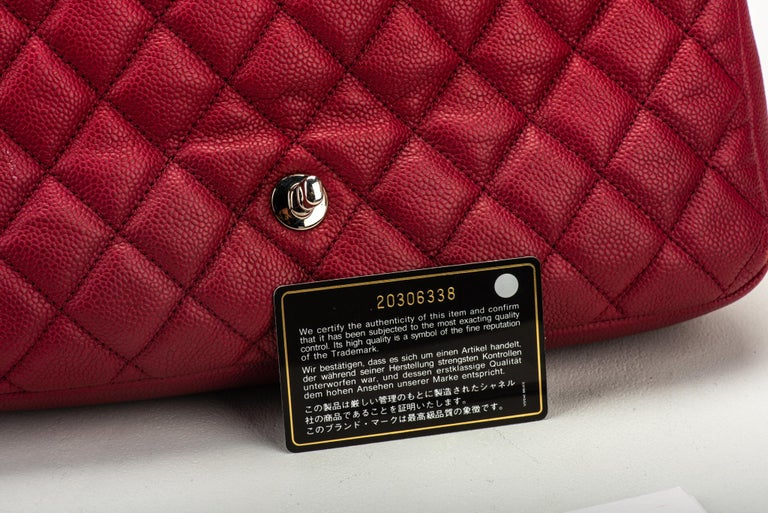 Chanel Cherry Red Jumbo Zipped Flap Bag For Sale 3