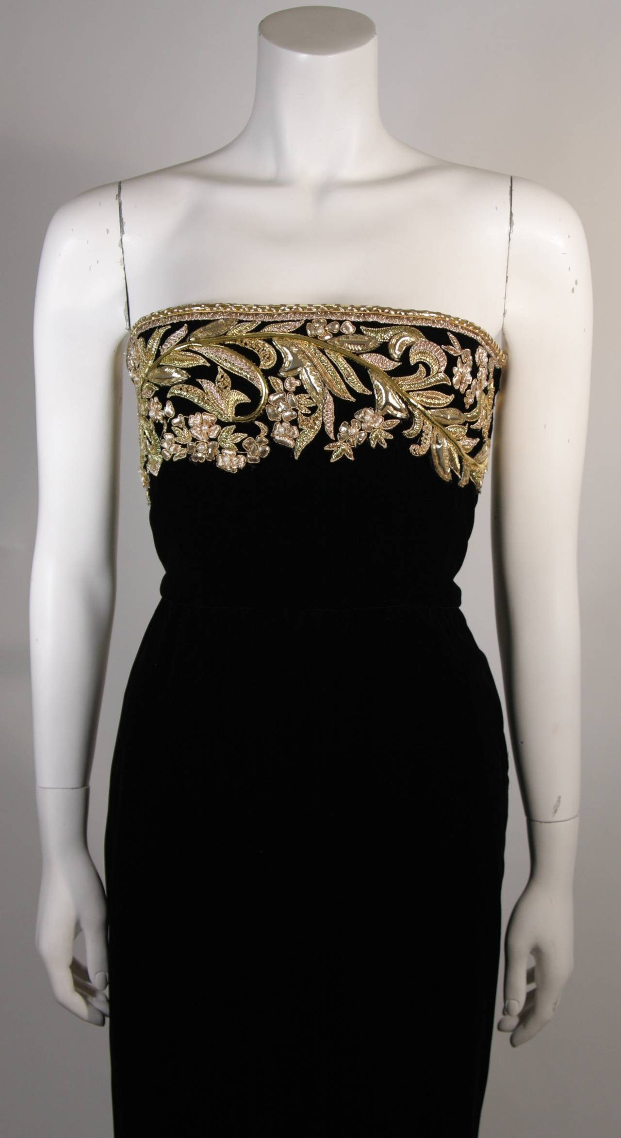 Oscar De La Renta Black Velvet Gown with Metallic Embellishments 3