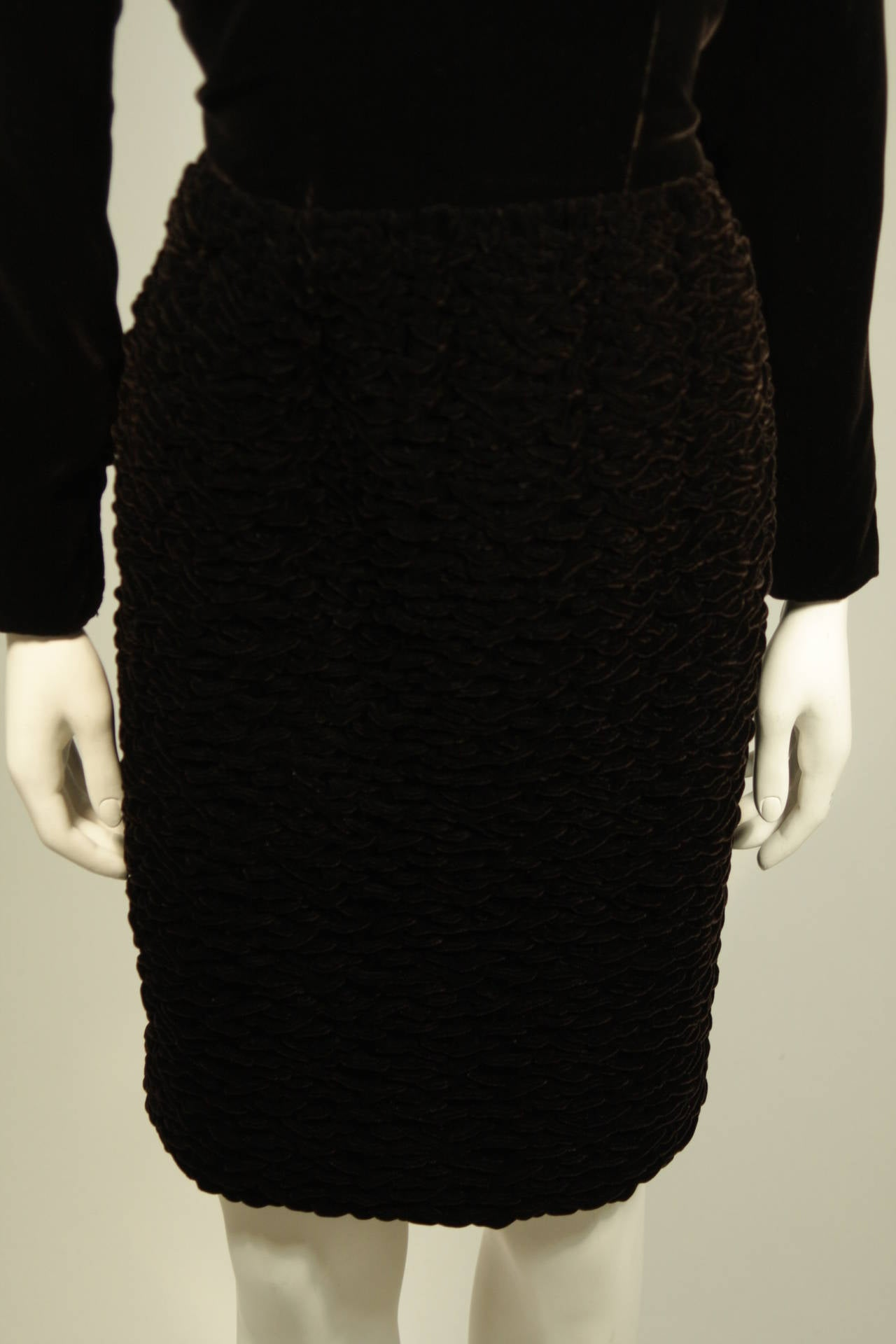 Oscar De La Renta Brown Velvet Cocktail Dress with Ruched Skirt Size 6 8