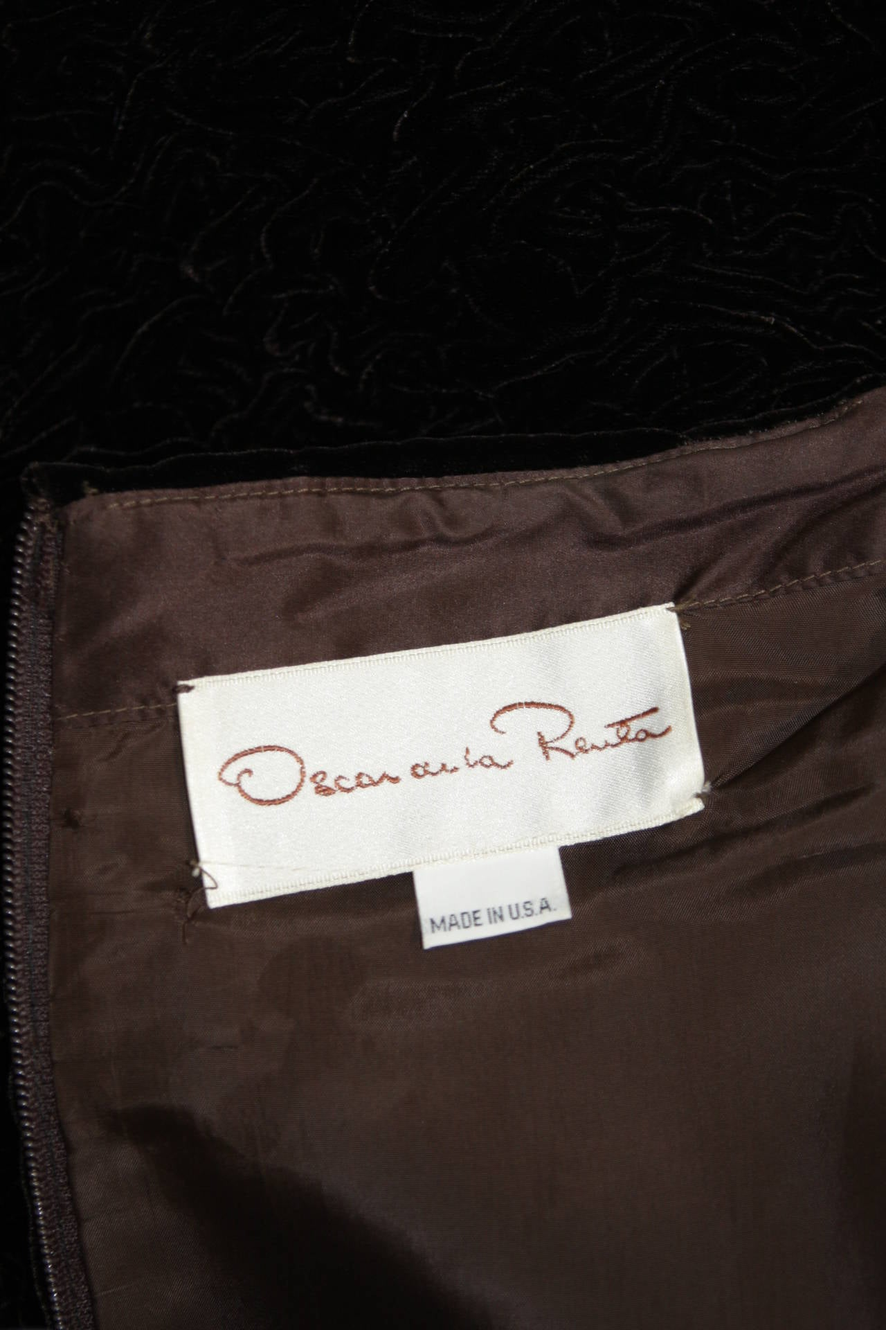 Oscar De La Renta Brown Velvet Cocktail Dress with Ruched Skirt Size 6 9