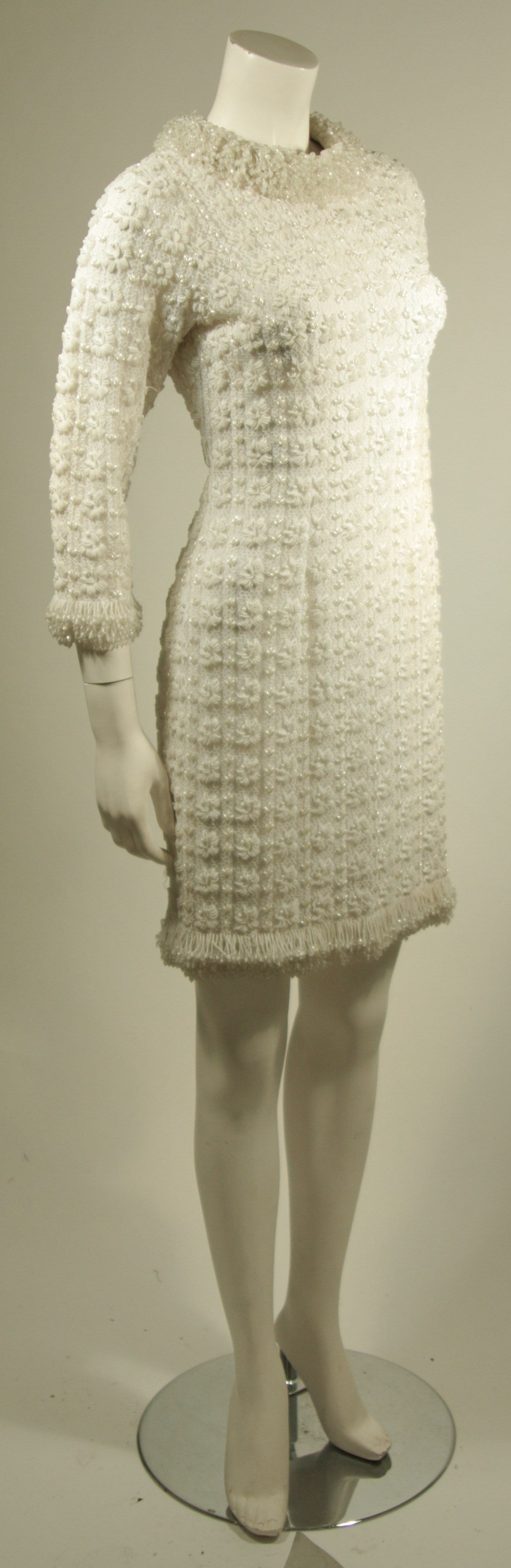 1960's White Beaded Cocktail Dress In Excellent Condition For Sale In Los Angeles, CA