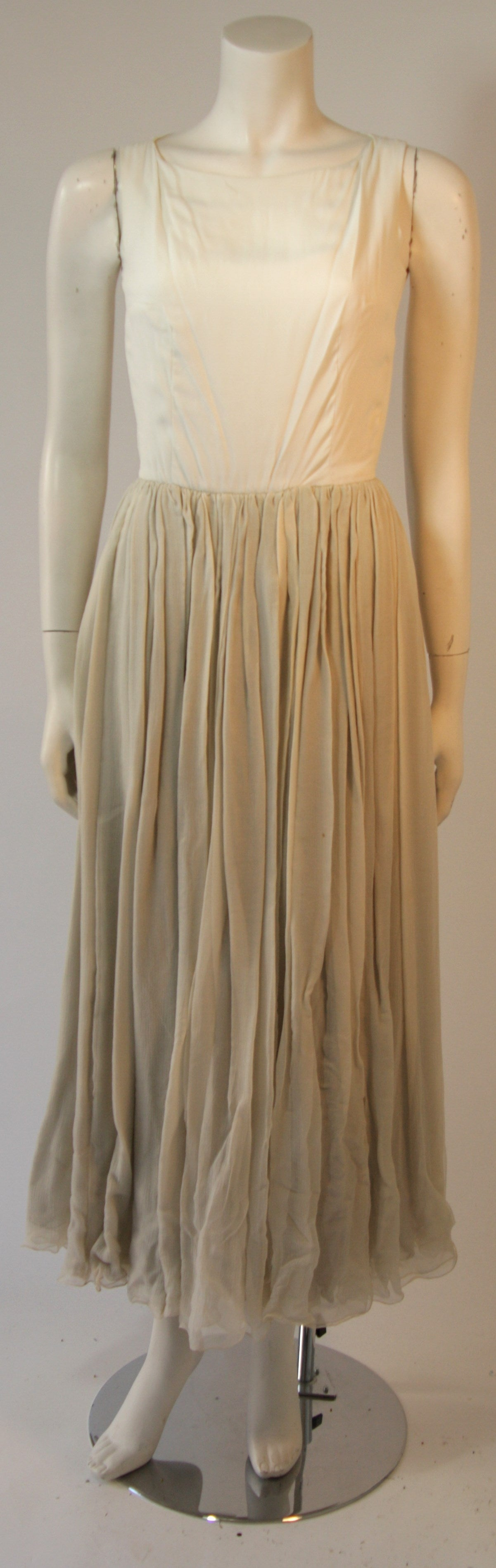 Gold and Chiffon Embellished 2 Piece Gown For Sale 3