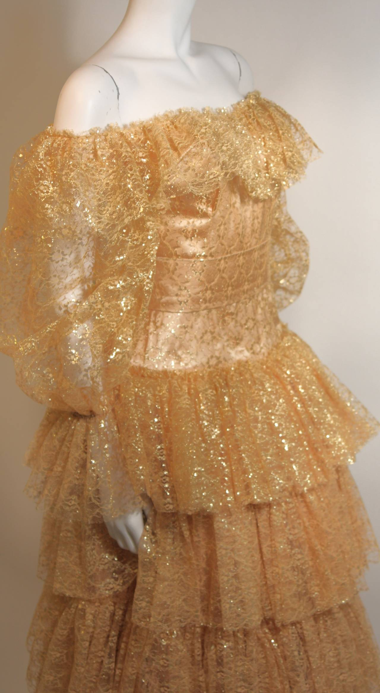 Attributed to Travilla Gold Tiered Lace Ball Gown with sheer lace sleeves size 4 In Excellent Condition For Sale In Los Angeles, CA
