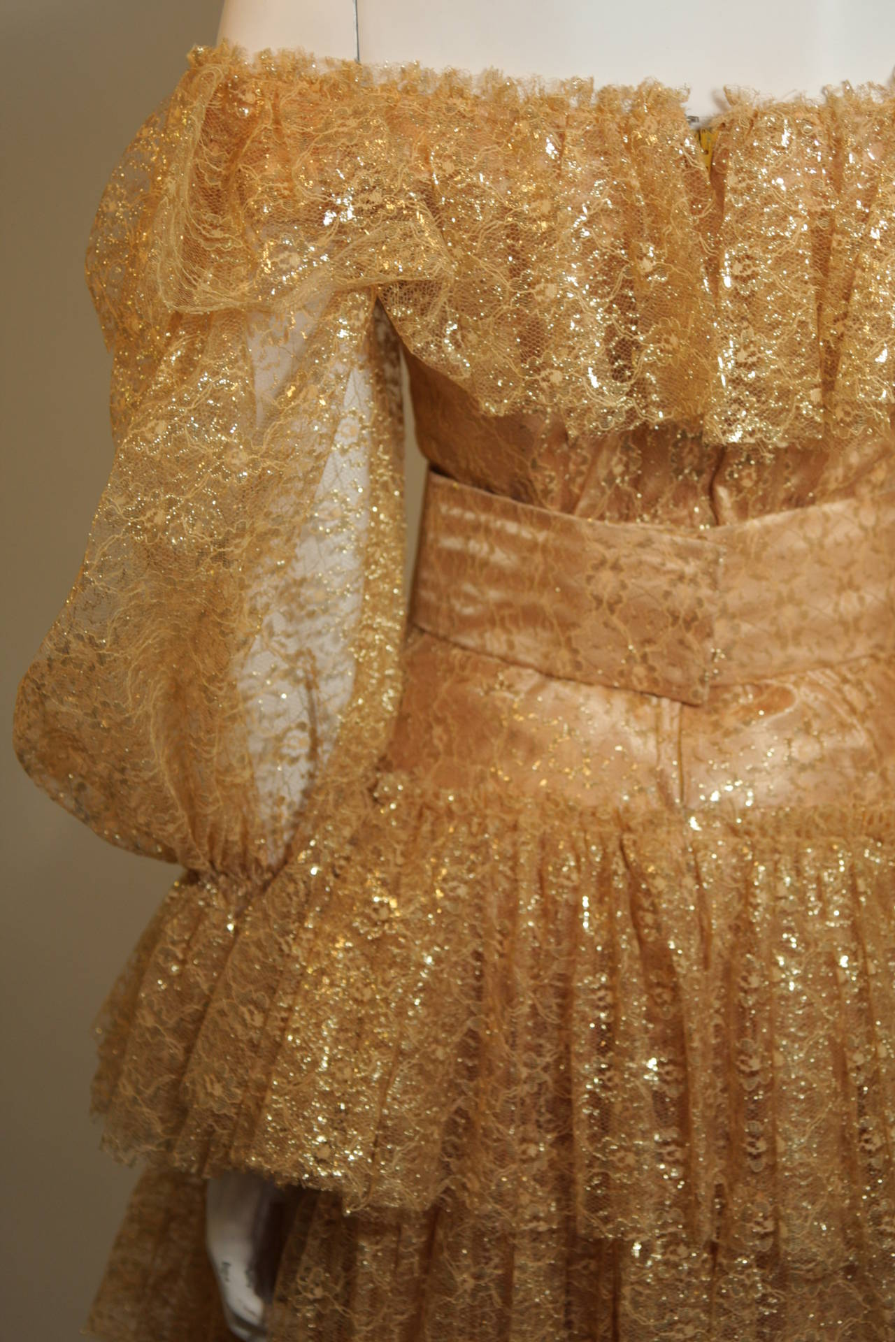 Attributed to Travilla Gold Tiered Lace Ball Gown with sheer lace sleeves size 4 For Sale 5
