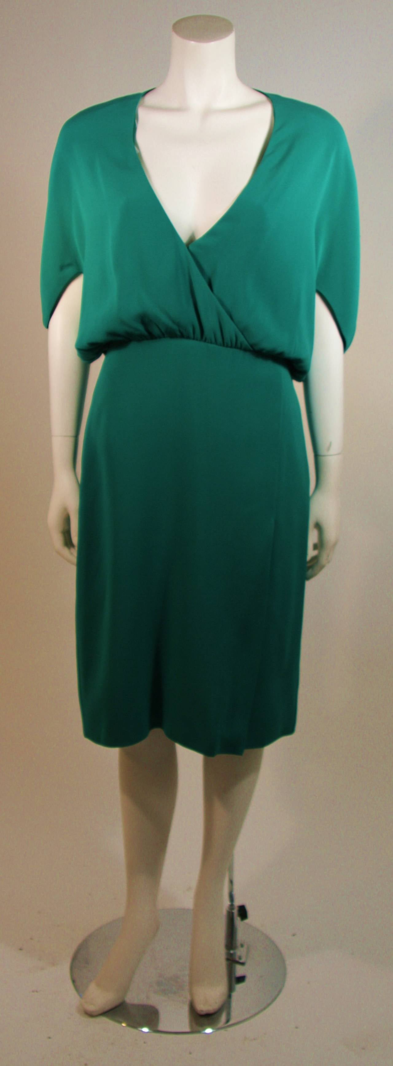 Valentino Green Silk Cocktail Dress with Plunge Neckline Size 8 In Excellent Condition For Sale In Los Angeles, CA