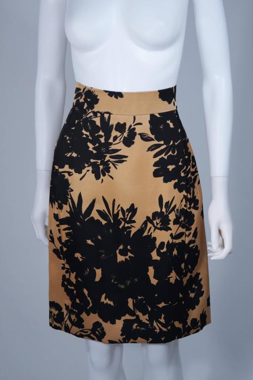 GIVENCHY Circa 1980s Apricot Brown and Black Floral Print Suit Size 6-8 For Sale 5