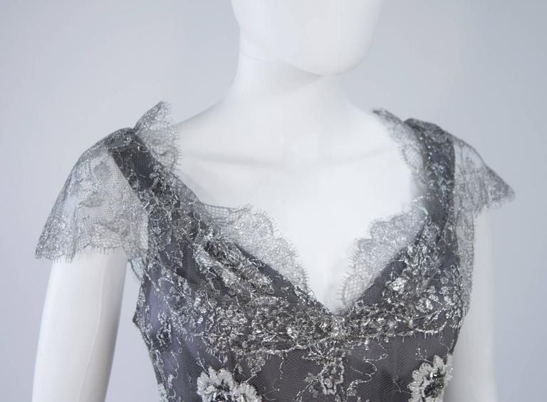 FE ZANDI Silver Lace Lame Gown with Scalloped Edges Size 8-10 In Excellent Condition For Sale In Los Angeles, CA