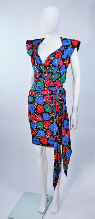 ANDREA ODICINI Floral Primary Color Print Cocktail Dress Structured Shoulder 10 In Excellent Condition For Sale In Los Angeles, CA